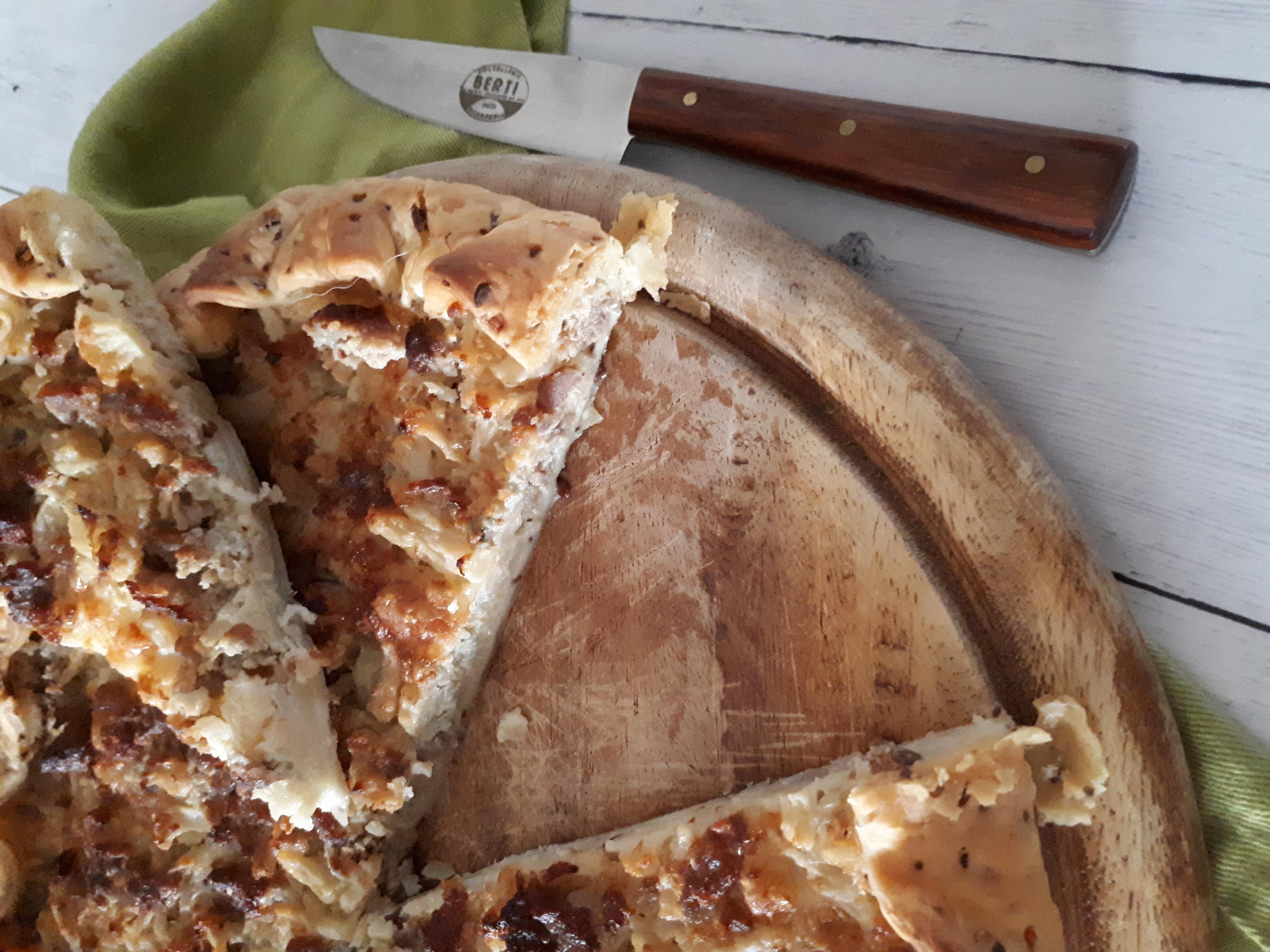 TORTA SALATA CAVOLFIORE, SALSICCIA e GORGO